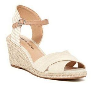 Worn twice! Lucky brand wedge sandals sz 8
