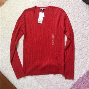 NWT. Uniqlo Cashmere Blend Round Neck Sweater