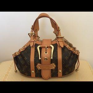 Authentic Louis Vuitton Theda gM Monogram Handbag