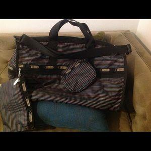 LeSportsac Handbags - NWOT LeSportsac 3 piece set