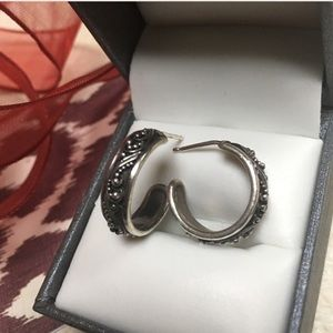 Lois Hill Jewelry - 🌷SALE!! MOM KNOWS BEST🌷Lois Hill FiligreeEarring