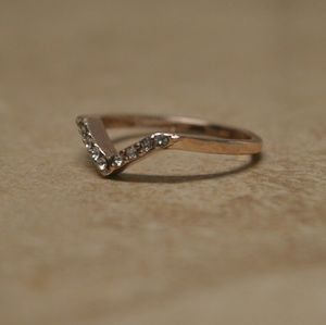 Jewelry - Brand New Rose Gold Midi Knuckle Chevron Pave Ring