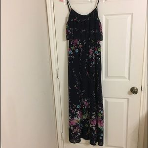 Moon Collection Dresses & Skirts - Floral flouncy maxi dress in navy