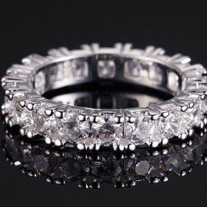Jewelry - Beautiful Eternity Band
