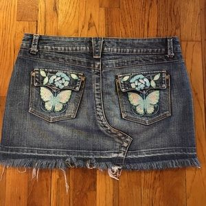 ☀️4 for $15☀️ Denim Embroidered Skirt
