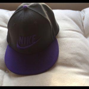 Nike Tru Hat