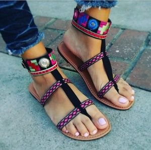 🆕//The Zendaya// Black Aztec Embroidery Sandal