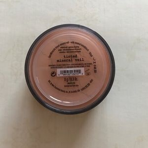 Bare Escentuals Other - New Sealed Bare Escentuals Tinted Mineral Veil