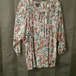 Simply Emma Tops - NWT Women's 2X Floral Print Top Final Price