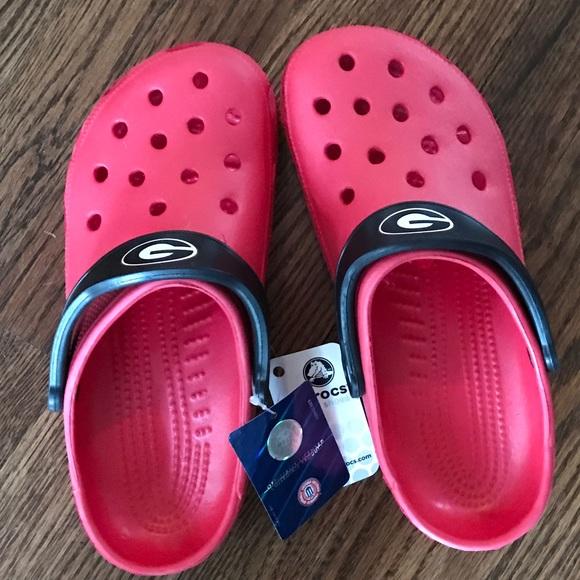 ffd732280fe0 UGA Crocs size large (men s 8-9 women s 9-10)