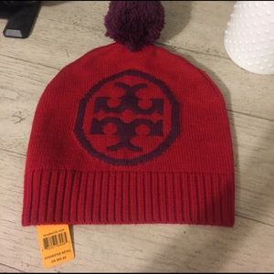e43372a2b70185 Accessories - Tory Burch authentic new with tags beanie