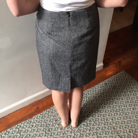 Banana Republic Skirts - Banana Republic grey tweed skirt