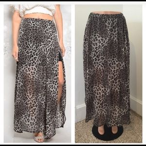 Dresses & Skirts - NEW small leopard maxi skirt
