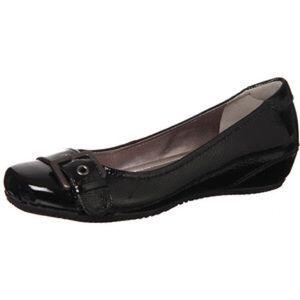 Ecco Shoes - FLASH SALE Ecco patent leather buckle flats