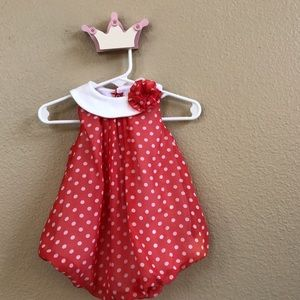 Baby Essentials Other - Adorable coral bubble romper.