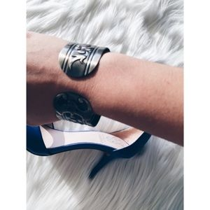 Marc Jacobs Jewelry - 24hrSale❗️Marc Jacobs Silver Brass Cuff Bracelet