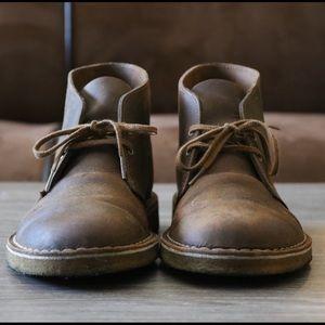 Clarks Other - Men's Clarks Desert Chukka Boot (beeswax)