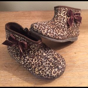 Cienta Other - Cienta animal print ankle boots (size 6)