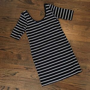 hm-moden Dresses & Skirts - Fitted black & white striped cotton dress