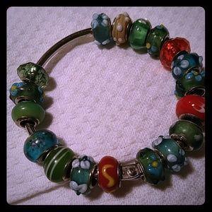 Jewelry - Charm beads