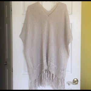 Francesca's Collections Sweaters - Knit poncho