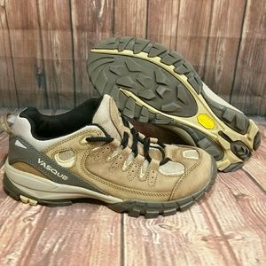 Vasque Shoes - Women's Vasque Hiking Shoes Vibram Sole Sz 9M