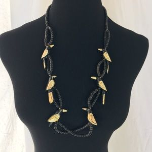 Jewelry - Vintage Crow Beaded Necklace