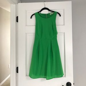 Piperlime Green t back dress