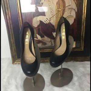 Lamb Shoes - Lamb High Heel Designer Shoes.  Sz 6