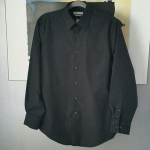 "Van Heusen Other - 🕴Mens Black Dress Shirt 15"" Neck, 32/33🕴"