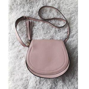 Old Navy Handbags - HP 💌 • old navy crossbody