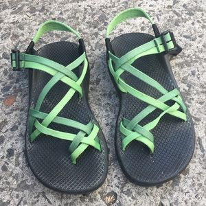 Chacos Shoes - Chacos green strappy sandals size 6