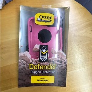 OtterBox Accessories - iPhone 6/6S otterbox (should fit iPhone 7) NEW