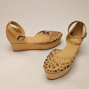 Kimchi Blue Shoes - Kimchi & Blue Lasercut Flatform Sandals