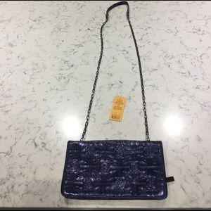 Tory Burch Handbags - NWT Tory Burch Metallic Bifold Chain Wallet