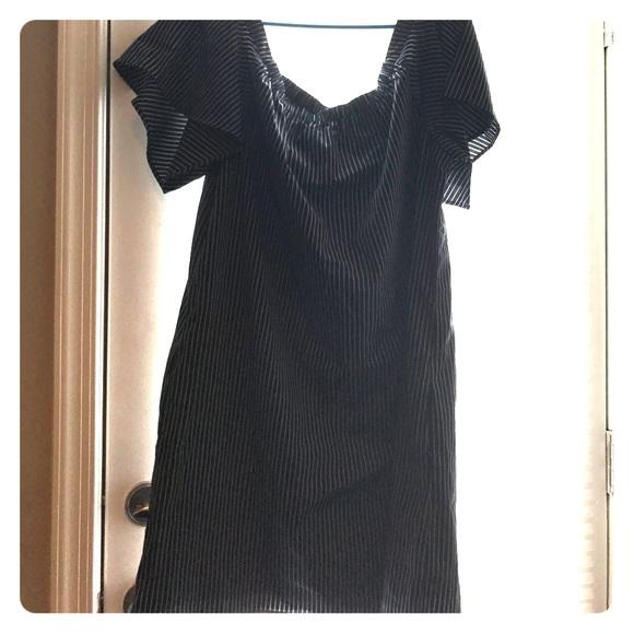 36adb54a29f87 Striped off the shoulder dress with pockets! NWT. Banana Republic
