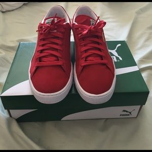 Puma Shoes - Men's size 12 red Puma Suede Classic