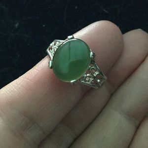 Beautiful Sterling Silver Jade Ring Size 9