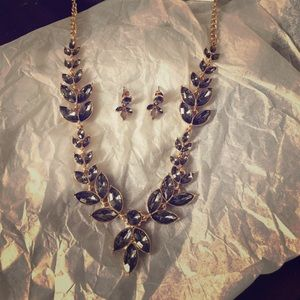 NWT. H&M grey gem necklace and earring set
