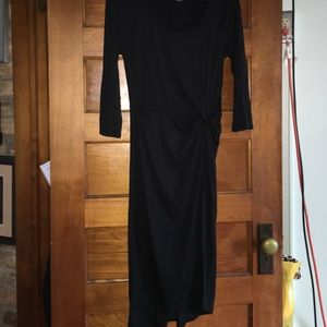 Dresses & Skirts - ⭐️ MOVING SALE ⭐️ NWOT rouged and fitted dress