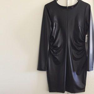 WINDSOR Dresses & Skirts - 🆕 Slinky • Black Bodycon Long Sleeve Dress