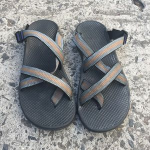 Chacos Shoes - Chacos strappy sandal slides size 8