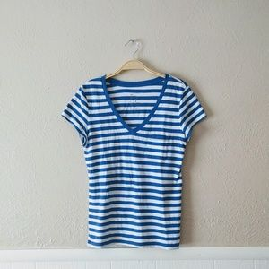 Gap Essential V Neck Striped Tee