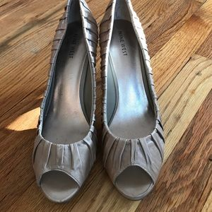 Nude Nine West heels 7.5