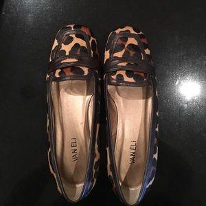 Vaneli Shoes - Soft camel jaguar print comfortable W shoe