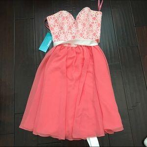 Mori Lee Dresses & Skirts - Mori Lee 31019 coral lace strapless dress