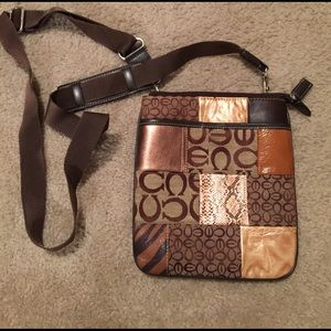 Handbags - Brown cross body purse.