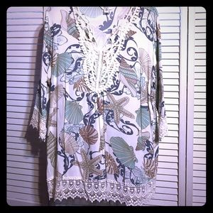 krazy kat Tops - Nwot tunic top with lace detail
