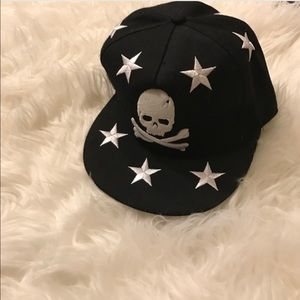 Other - Skull and starts black hat