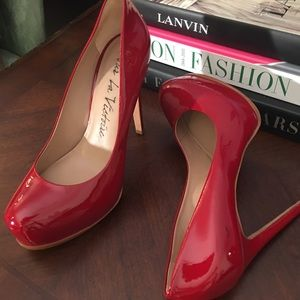 Pour La Victoire Red Patent Leather Pumps 